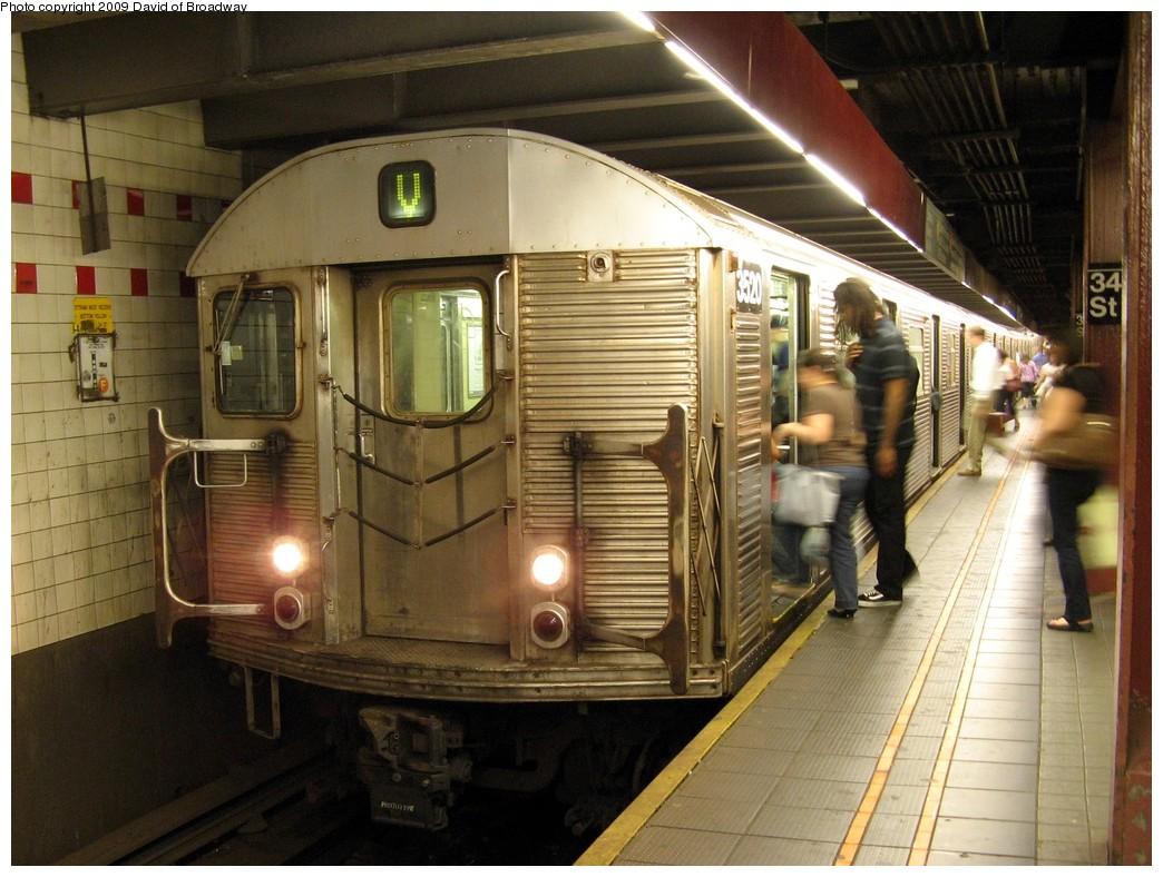 (223k, 1044x788)<br><b>Country:</b> United States<br><b>City:</b> New York<br><b>System:</b> New York City Transit<br><b>Line:</b> IND 6th Avenue Line<br><b>Location:</b> 34th Street/Herald Square<br><b>Route:</b> V<br><b>Car:</b> R-32 (Budd, 1964) 3520 <br><b>Photo by:</b> David of Broadway<br><b>Date:</b> 7/13/2009<br><b>Viewed (this week/total):</b> 0 / 2259