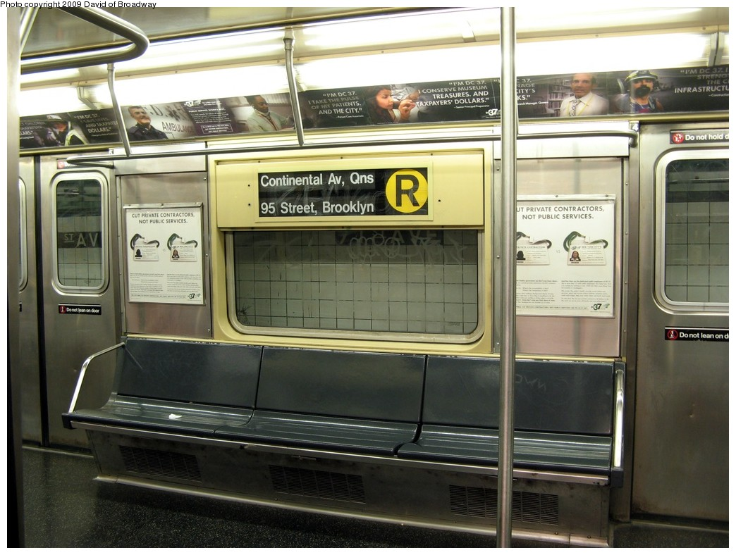 (209k, 1044x788)<br><b>Country:</b> United States<br><b>City:</b> New York<br><b>System:</b> New York City Transit<br><b>Route:</b> R<br><b>Car:</b> R-42 (St. Louis, 1969-1970)  Interior <br><b>Photo by:</b> David of Broadway<br><b>Date:</b> 7/13/2009<br><b>Viewed (this week/total):</b> 1 / 1502