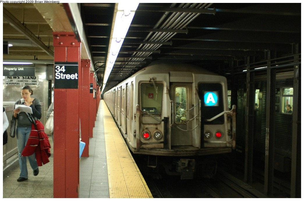 (215k, 1044x693)<br><b>Country:</b> United States<br><b>City:</b> New York<br><b>System:</b> New York City Transit<br><b>Line:</b> IND 8th Avenue Line<br><b>Location:</b> 34th Street/Penn Station <br><b>Route:</b> A<br><b>Car:</b> R-40 (St. Louis, 1968)  4356 <br><b>Photo by:</b> Brian Weinberg<br><b>Date:</b> 6/4/2009<br><b>Viewed (this week/total):</b> 0 / 1525