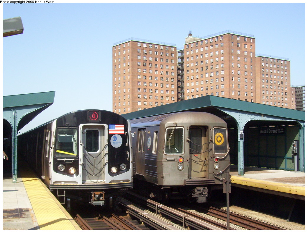 (256k, 1044x788)<br><b>Country:</b> United States<br><b>City:</b> New York<br><b>System:</b> New York City Transit<br><b>Line:</b> BMT Brighton Line<br><b>Location:</b> West 8th Street <br><b>Route:</b> Q<br><b>Car:</b> R-68 (Westinghouse-Amrail, 1986-1988)  2806 <br><b>Photo by:</b> Khalis Ward<br><b>Date:</b> 7/13/2009<br><b>Notes:</b> With R-160B 9068 on Q<br><b>Viewed (this week/total):</b> 0 / 1929