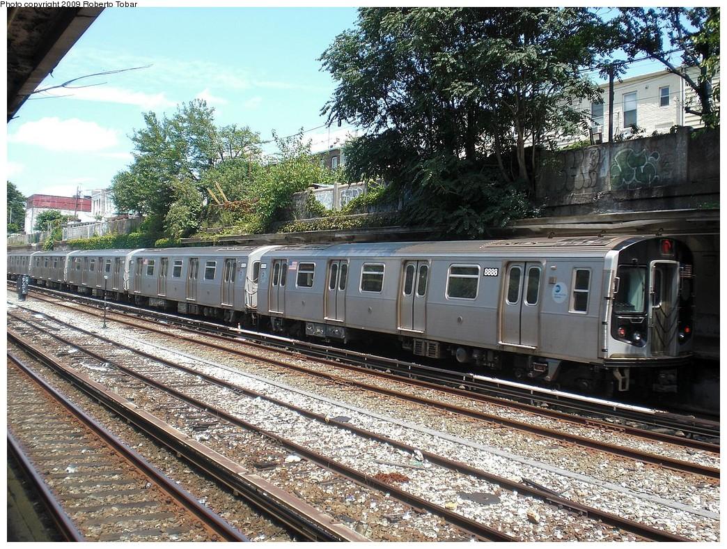 (401k, 1044x788)<br><b>Country:</b> United States<br><b>City:</b> New York<br><b>System:</b> New York City Transit<br><b>Line:</b> BMT Sea Beach Line<br><b>Location:</b> 20th Avenue <br><b>Route:</b> N<br><b>Car:</b> R-160B (Kawasaki, 2005-2008)  8888 <br><b>Photo by:</b> Roberto C. Tobar<br><b>Date:</b> 7/18/2009<br><b>Viewed (this week/total):</b> 0 / 1005