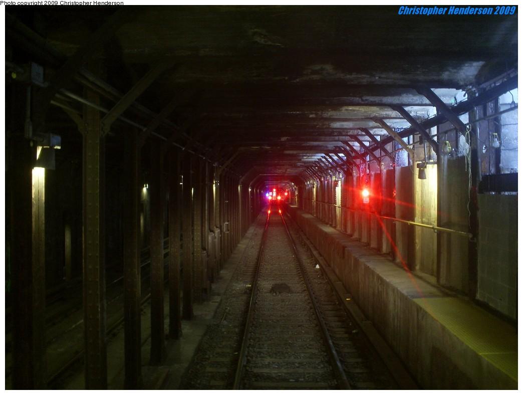 (151k, 1044x788)<br><b>Country:</b> United States<br><b>City:</b> New York<br><b>System:</b> New York City Transit<br><b>Line:</b> BMT Broadway Line<br><b>Location:</b> Canal Street <br><b>Photo by:</b> Christopher Henderson<br><b>Date:</b> 7/18/2009<br><b>Notes:</b> BMT local track south of Canal Street on the Broadway line.<br><b>Viewed (this week/total):</b> 0 / 3286
