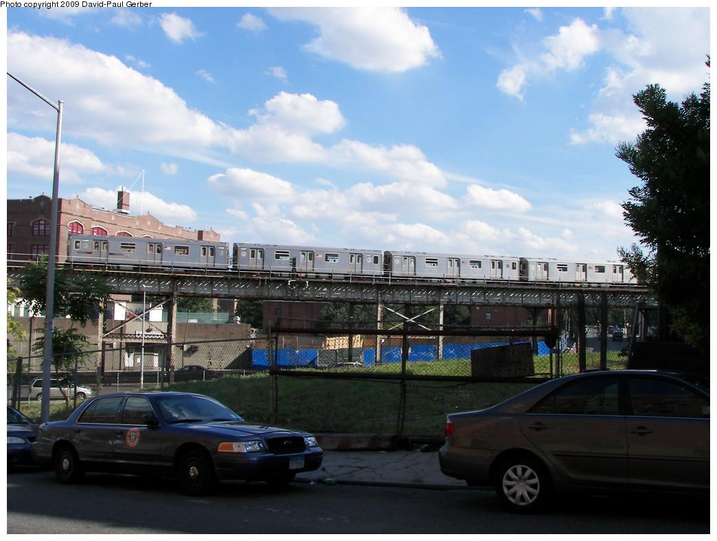 (259k, 1044x788)<br><b>Country:</b> United States<br><b>City:</b> New York<br><b>System:</b> New York City Transit<br><b>Line:</b> IRT White Plains Road Line<br><b>Location:</b> Intervale Avenue <br><b>Route:</b> 2/5<br><b>Car:</b> R-142 or R-142A (Number Unknown)  <br><b>Photo by:</b> David-Paul Gerber<br><b>Date:</b> 7/18/2009<br><b>Notes:</b> View from ground near Intervale Ave station.<br><b>Viewed (this week/total):</b> 5 / 1915