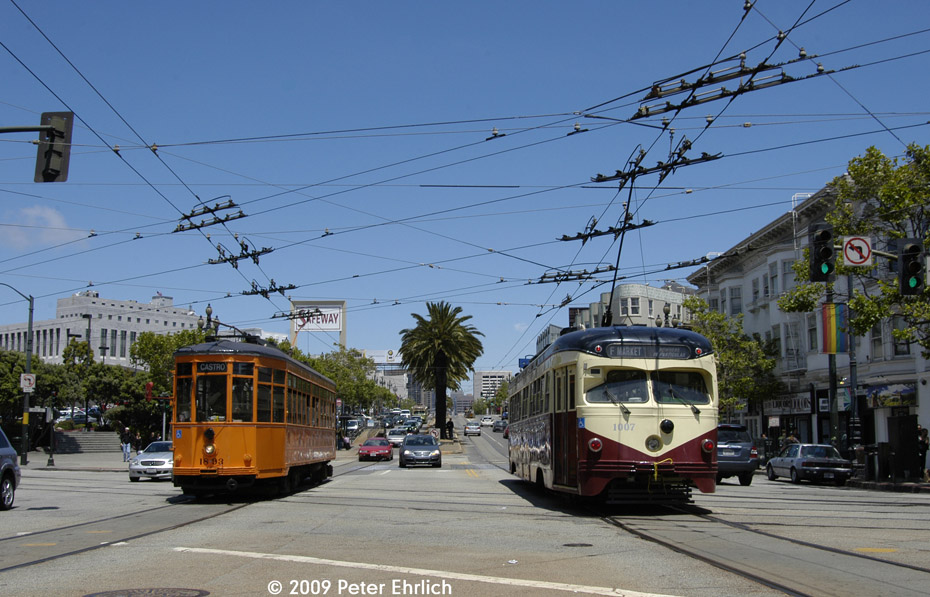 (208k, 930x597)<br><b>Country:</b> United States<br><b>City:</b> San Francisco/Bay Area, CA<br><b>System:</b> SF MUNI<br><b>Location:</b> Market/Church/14th <br><b>Car:</b> Milan Milano/Peter Witt (1927-1930)  1893 <br><b>Photo by:</b> Peter Ehrlich<br><b>Date:</b> 6/6/2009<br><b>Notes:</b> Outbound. With 1007 (Red Arrow) inbound.<br><b>Viewed (this week/total):</b> 0 / 334