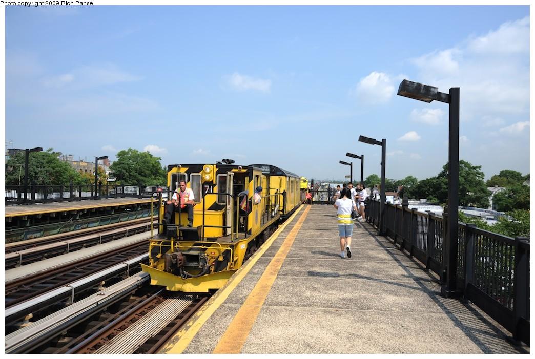 (194k, 1044x701)<br><b>Country:</b> United States<br><b>City:</b> New York<br><b>System:</b> New York City Transit<br><b>Line:</b> BMT Culver Line<br><b>Location:</b> Avenue P <br><b>Route:</b> Work Service<br><b>Car:</b> R-52 Locomotive  71 <br><b>Photo by:</b> Richard Panse<br><b>Date:</b> 7/22/2009<br><b>Viewed (this week/total):</b> 0 / 709