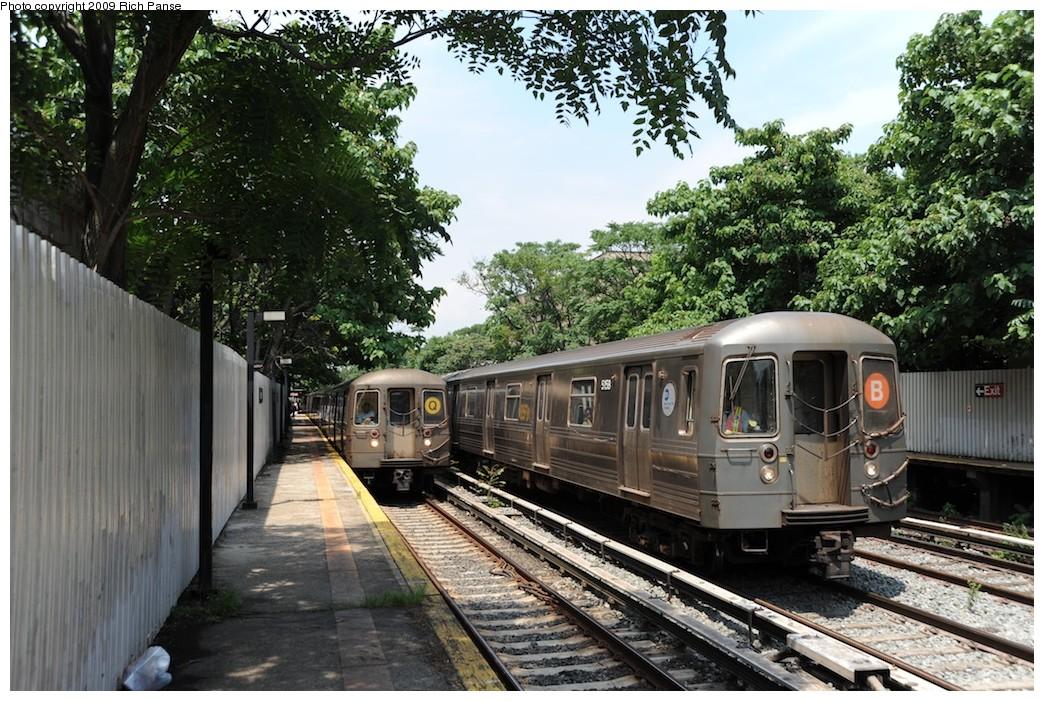 (264k, 1044x701)<br><b>Country:</b> United States<br><b>City:</b> New York<br><b>System:</b> New York City Transit<br><b>Line:</b> BMT Brighton Line<br><b>Location:</b> Avenue H <br><b>Route:</b> Q/B<br><b>Car:</b> R-68/R-68A Series (Number Unknown)  <br><b>Photo by:</b> Richard Panse<br><b>Date:</b> 7/22/2009<br><b>Viewed (this week/total):</b> 1 / 1346