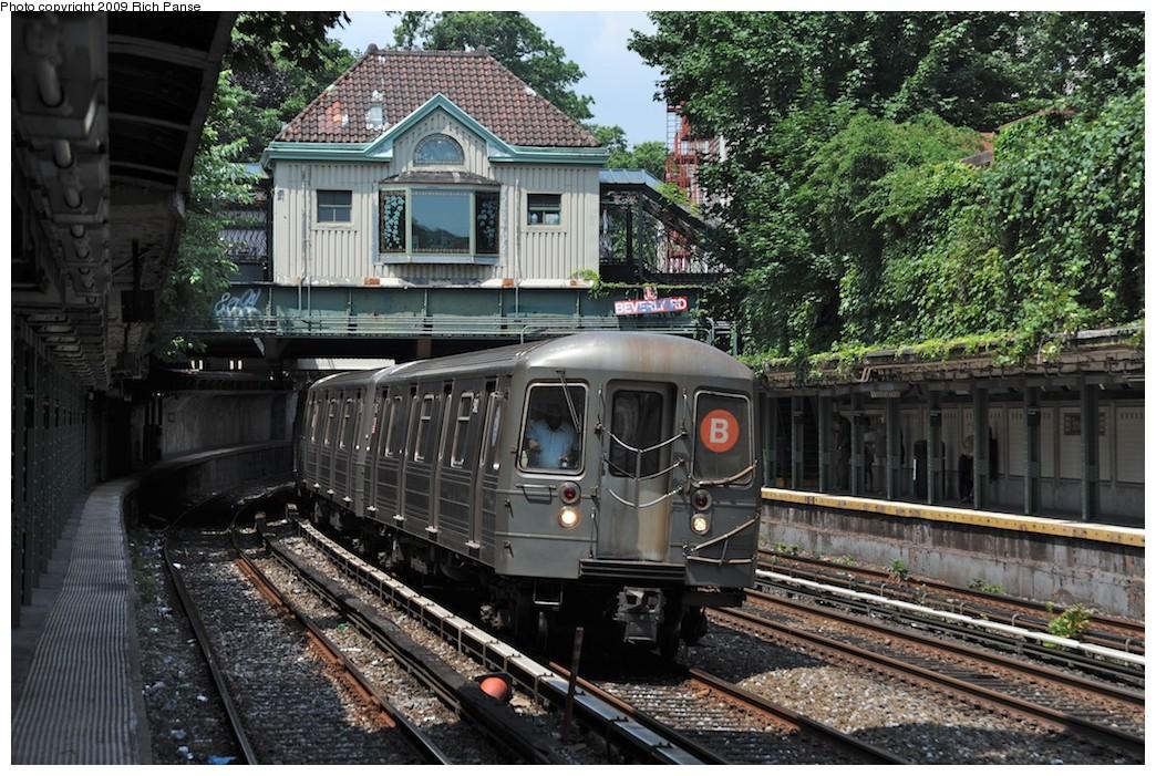 (276k, 1044x701)<br><b>Country:</b> United States<br><b>City:</b> New York<br><b>System:</b> New York City Transit<br><b>Line:</b> BMT Brighton Line<br><b>Location:</b> Beverley Road <br><b>Route:</b> B<br><b>Car:</b> R-68/R-68A Series (Number Unknown)  <br><b>Photo by:</b> Richard Panse<br><b>Date:</b> 7/22/2009<br><b>Viewed (this week/total):</b> 0 / 1364