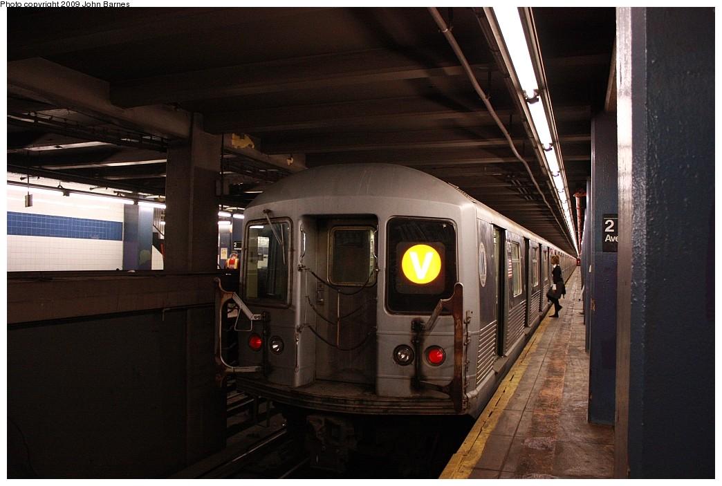 (185k, 1044x703)<br><b>Country:</b> United States<br><b>City:</b> New York<br><b>System:</b> New York City Transit<br><b>Line:</b> IND 6th Avenue Line<br><b>Location:</b> 2nd Avenue <br><b>Route:</b> V<br><b>Car:</b> R-42 (St. Louis, 1969-1970)  4775 <br><b>Photo by:</b> John Barnes<br><b>Date:</b> 7/10/2009<br><b>Viewed (this week/total):</b> 1 / 1236