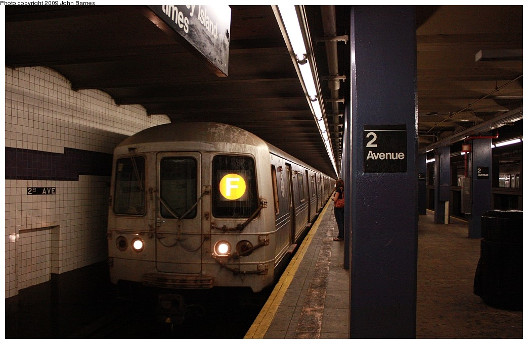 (168k, 1044x681)<br><b>Country:</b> United States<br><b>City:</b> New York<br><b>System:</b> New York City Transit<br><b>Line:</b> IND 6th Avenue Line<br><b>Location:</b> 2nd Avenue <br><b>Route:</b> F<br><b>Car:</b> R-46 (Pullman-Standard, 1974-75) 5804 <br><b>Photo by:</b> John Barnes<br><b>Date:</b> 7/10/2009<br><b>Viewed (this week/total):</b> 0 / 864