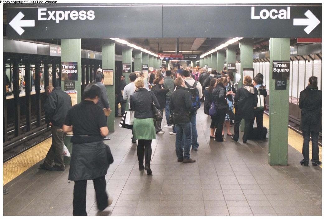 (195k, 1044x703)<br><b>Country:</b> United States<br><b>City:</b> New York<br><b>System:</b> New York City Transit<br><b>Line:</b> IRT West Side Line<br><b>Location:</b> Times Square/42nd Street <br><b>Photo by:</b> Lee Winson<br><b>Date:</b> 5/5/2008<br><b>Viewed (this week/total):</b> 3 / 1681