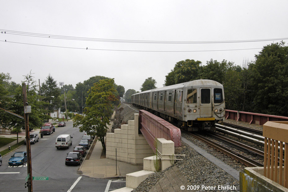 (200k, 930x618)<br><b>Country:</b> United States<br><b>City:</b> New York<br><b>System:</b> New York City Transit<br><b>Line:</b> SIRT<br><b>Location:</b> Jefferson Avenue <br><b>Car:</b> R-44 SIRT (St. Louis, 1971-1973) 442 <br><b>Photo by:</b> Peter Ehrlich<br><b>Date:</b> 7/29/2009<br><b>Notes:</b> Outbound<br><b>Viewed (this week/total):</b> 2 / 1265