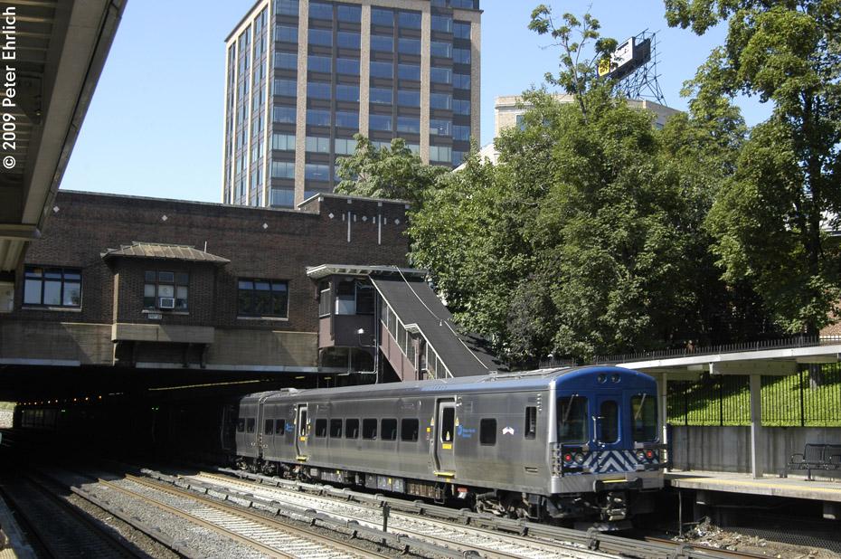 (278k, 930x618)<br><b>Country:</b> United States<br><b>City:</b> New York<br><b>System:</b> Metro-North Railroad (or Amtrak or Predecessor RR)<br><b>Line:</b> Metro North-Harlem Line<br><b>Location:</b> Fordham <br><b>Car:</b> MNRR M-7a EMU (Bombardier) 4005 <br><b>Photo by:</b> Peter Ehrlich<br><b>Date:</b> 8/1/2009<br><b>Notes:</b> Inbound<br><b>Viewed (this week/total):</b> 0 / 811