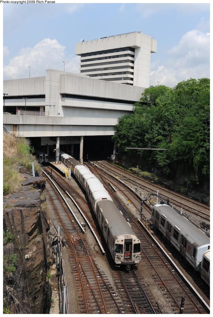 (228k, 701x1044)<br><b>Country:</b> United States<br><b>City:</b> Jersey City, NJ<br><b>System:</b> PATH<br><b>Location:</b> East of Journal Square <br><b>Car:</b> PATH PA-4 (Kawasaki, 1986)   <br><b>Photo by:</b> Richard Panse<br><b>Date:</b> 8/3/2009<br><b>Viewed (this week/total):</b> 1 / 711