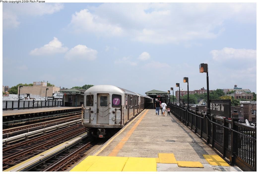 (160k, 1044x701)<br><b>Country:</b> United States<br><b>City:</b> New York<br><b>System:</b> New York City Transit<br><b>Line:</b> IRT Flushing Line<br><b>Location:</b> 69th Street/Fisk Avenue <br><b>Route:</b> 7<br><b>Car:</b> R-62A (Bombardier, 1984-1987)  1706 <br><b>Photo by:</b> Richard Panse<br><b>Date:</b> 8/3/2009<br><b>Viewed (this week/total):</b> 0 / 1031