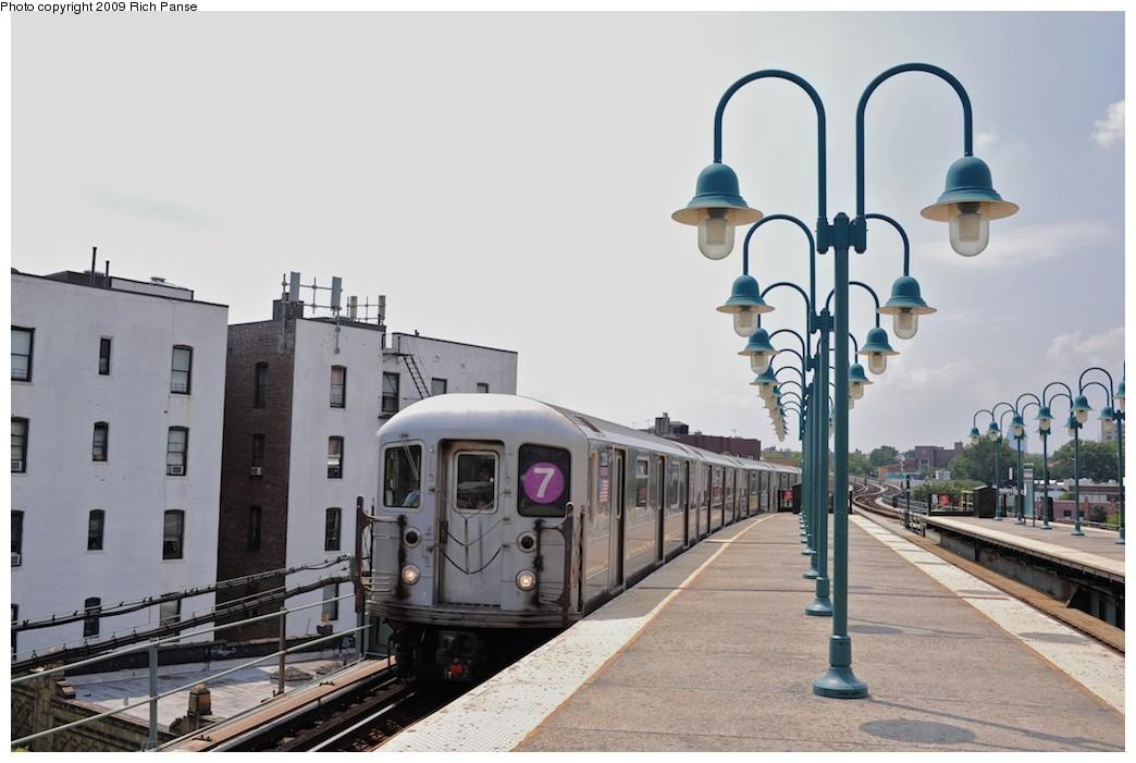 (153k, 1044x701)<br><b>Country:</b> United States<br><b>City:</b> New York<br><b>System:</b> New York City Transit<br><b>Line:</b> IRT Flushing Line<br><b>Location:</b> 61st Street/Woodside <br><b>Route:</b> 7<br><b>Car:</b> R-62A (Bombardier, 1984-1987)  2128 <br><b>Photo by:</b> Richard Panse<br><b>Date:</b> 8/3/2009<br><b>Viewed (this week/total):</b> 0 / 1191