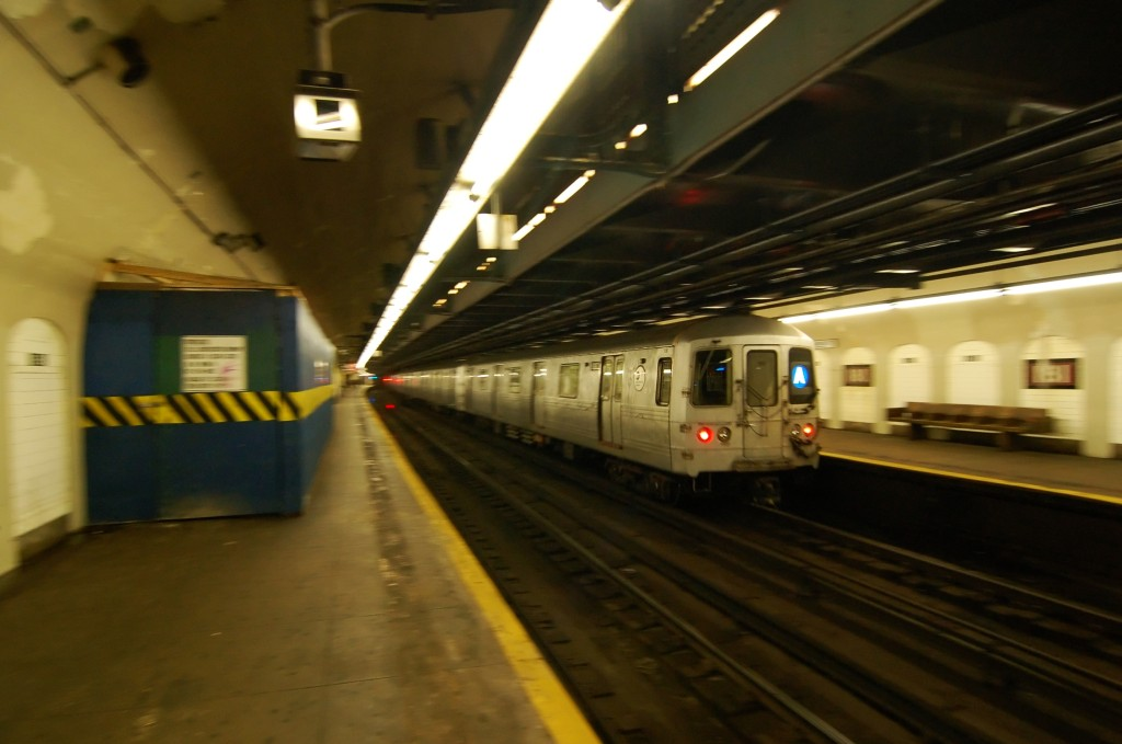 (180k, 1024x679)<br><b>Country:</b> United States<br><b>City:</b> New York<br><b>System:</b> New York City Transit<br><b>Line:</b> IND 8th Avenue Line<br><b>Location:</b> 181st Street <br><b>Route:</b> A<br><b>Car:</b> R-46 (Pullman-Standard, 1974-75) 6182 <br><b>Photo by:</b> Brian Weinberg<br><b>Date:</b> 8/2/2009<br><b>Viewed (this week/total):</b> 0 / 1442