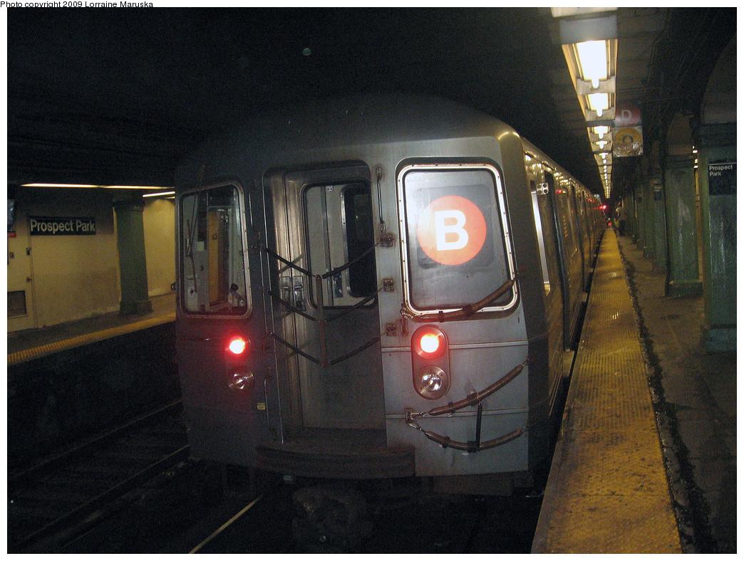 (322k, 1044x788)<br><b>Country:</b> United States<br><b>City:</b> New York<br><b>System:</b> New York City Transit<br><b>Line:</b> BMT Brighton Line<br><b>Location:</b> Prospect Park <br><b>Route:</b> B<br><b>Car:</b> R-68 (Westinghouse-Amrail, 1986-1988)   <br><b>Photo by:</b> Lorraine Maruska<br><b>Date:</b> 7/31/2009<br><b>Viewed (this week/total):</b> 1 / 1393