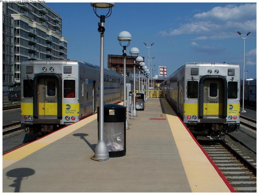 (213k, 1044x788)<br><b>Country:</b> United States<br><b>City:</b> New York<br><b>System:</b> Long Island Rail Road<br><b>Line:</b> LIRR Long Island City<br><b>Location:</b> Long Island City <br><b>Car:</b> LIRR Kawasaki C-3/C-R (Bilevel Coach/Cab) 5011 <br><b>Photo by:</b> Chris Reidy<br><b>Date:</b> 7/13/2009<br><b>Viewed (this week/total):</b> 0 / 1210