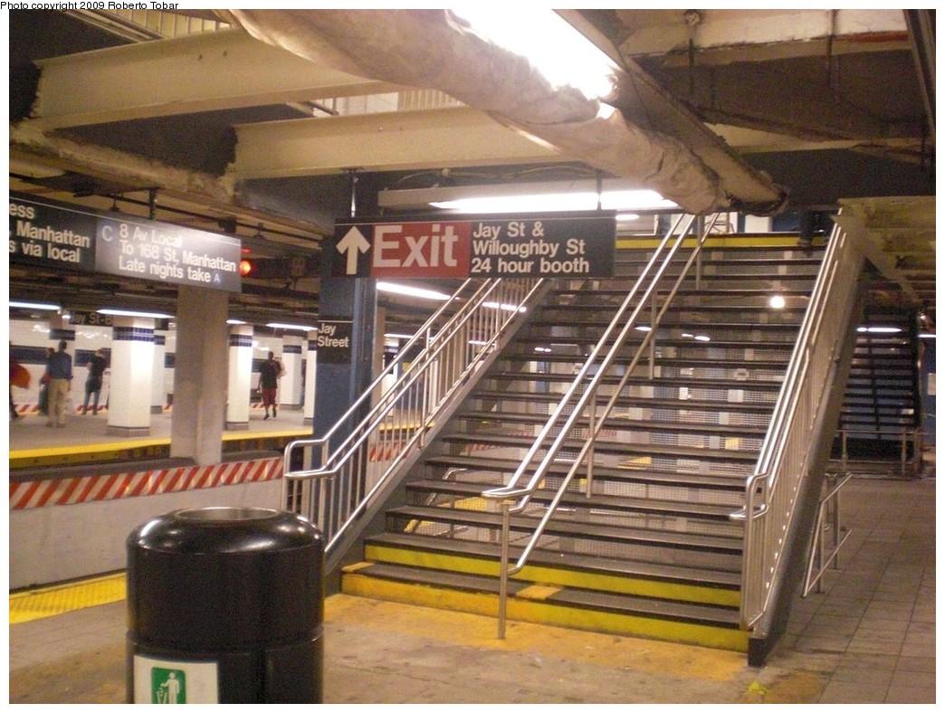 (269k, 1044x788)<br><b>Country:</b> United States<br><b>City:</b> New York<br><b>System:</b> New York City Transit<br><b>Line:</b> IND 8th Avenue Line<br><b>Location:</b> Jay St./Metrotech (Borough Hall) <br><b>Photo by:</b> Roberto C. Tobar<br><b>Date:</b> 8/21/2009<br><b>Notes:</b> Construction at Jay St.<br><b>Viewed (this week/total):</b> 1 / 1618