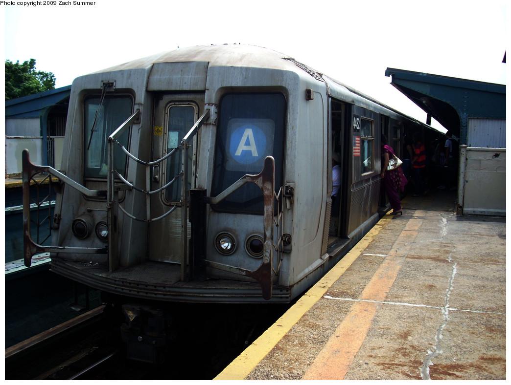 (239k, 1044x788)<br><b>Country:</b> United States<br><b>City:</b> New York<br><b>System:</b> New York City Transit<br><b>Line:</b> IND Fulton Street Line<br><b>Location:</b> 111th Street/Greenwood Avenue <br><b>Route:</b> A<br><b>Car:</b> R-40 (St. Louis, 1968)  4432 <br><b>Photo by:</b> Zach Summer<br><b>Date:</b> 6/9/2009<br><b>Viewed (this week/total):</b> 1 / 1033