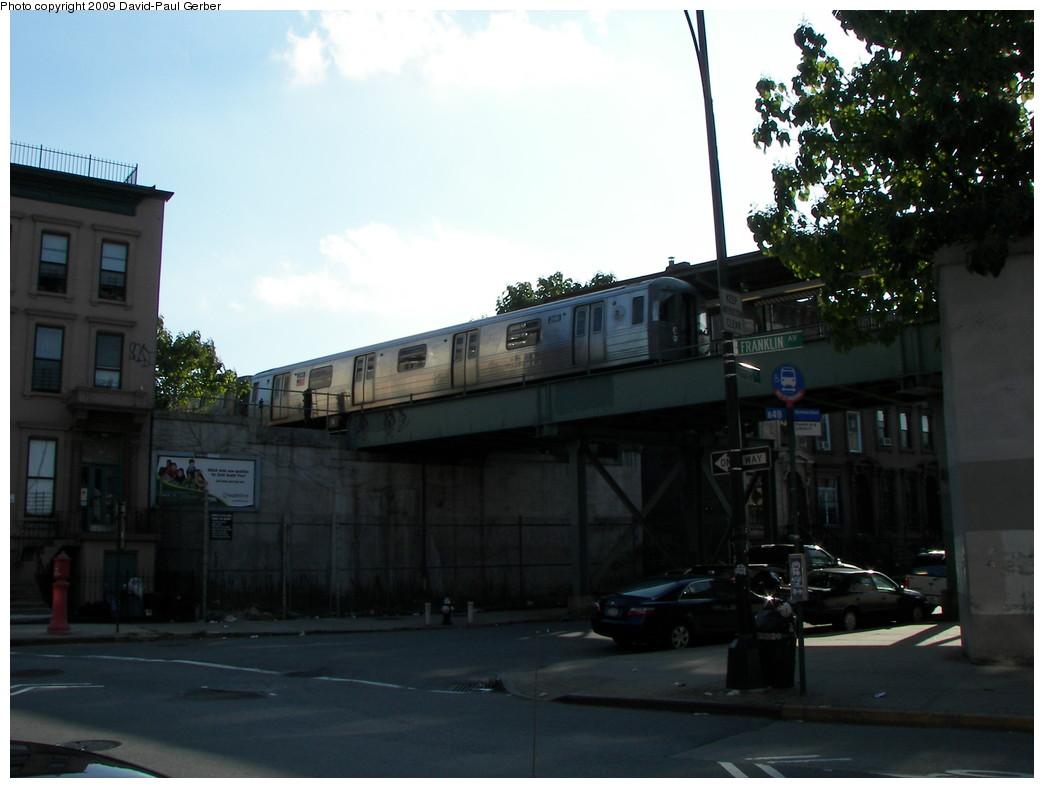 (212k, 1044x788)<br><b>Country:</b> United States<br><b>City:</b> New York<br><b>System:</b> New York City Transit<br><b>Line:</b> BMT Franklin<br><b>Location:</b> Lefferts Pl. Bridge <br><b>Photo by:</b> David-Paul Gerber<br><b>Date:</b> 8/30/2009<br><b>Notes:</b> Franklin & Lefferts<br><b>Viewed (this week/total):</b> 0 / 1184