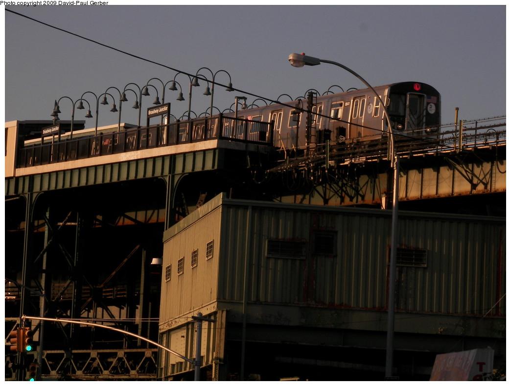 (240k, 1044x788)<br><b>Country:</b> United States<br><b>City:</b> New York<br><b>System:</b> New York City Transit<br><b>Line:</b> BMT Canarsie Line<br><b>Location:</b> Broadway Junction <br><b>Route:</b> L<br><b>Car:</b> R-160A-1 (Alstom, 2005-2008, 4 car sets)  8641 <br><b>Photo by:</b> David-Paul Gerber<br><b>Date:</b> 9/1/2009<br><b>Viewed (this week/total):</b> 0 / 1080