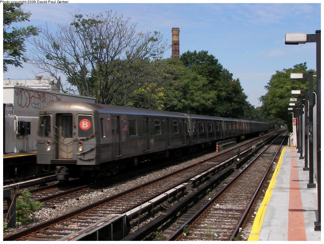 (338k, 1044x788)<br><b>Country:</b> United States<br><b>City:</b> New York<br><b>System:</b> New York City Transit<br><b>Line:</b> BMT Brighton Line<br><b>Location:</b> Neck Road <br><b>Route:</b> B<br><b>Car:</b> R-68A (Kawasaki, 1988-1989)   <br><b>Photo by:</b> David-Paul Gerber<br><b>Date:</b> 9/4/2009<br><b>Viewed (this week/total):</b> 1 / 1224