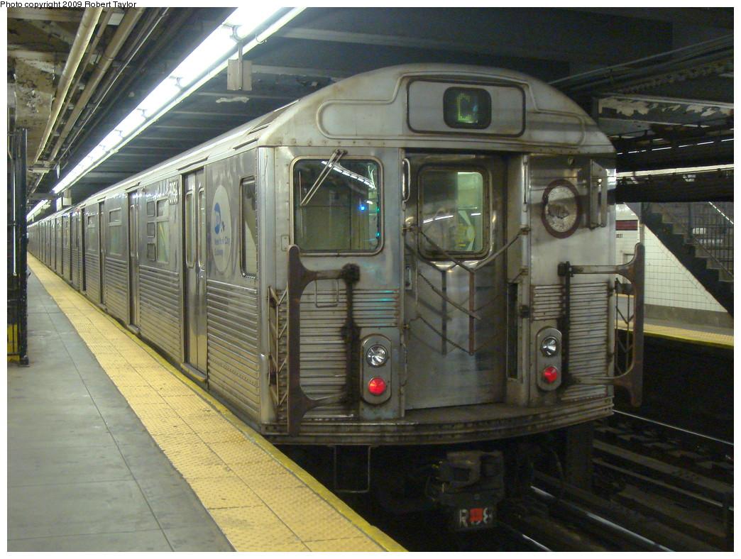 (272k, 1044x788)<br><b>Country:</b> United States<br><b>City:</b> New York<br><b>System:</b> New York City Transit<br><b>Line:</b> IND 8th Avenue Line<br><b>Location:</b> 168th Street <br><b>Route:</b> C<br><b>Car:</b> R-38 (St. Louis, 1966-1967)  3956 <br><b>Photo by:</b> Robert Taylor<br><b>Date:</b> 9/18/2007<br><b>Viewed (this week/total):</b> 0 / 1283