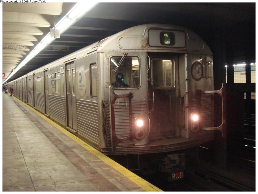 (219k, 1044x788)<br><b>Country:</b> United States<br><b>City:</b> New York<br><b>System:</b> New York City Transit<br><b>Line:</b> IND Fulton Street Line<br><b>Location:</b> Van Siclen Avenue <br><b>Route:</b> C<br><b>Car:</b> R-38 (St. Louis, 1966-1967)  4004 <br><b>Photo by:</b> Robert Taylor<br><b>Date:</b> 1/4/2008<br><b>Viewed (this week/total):</b> 1 / 1884