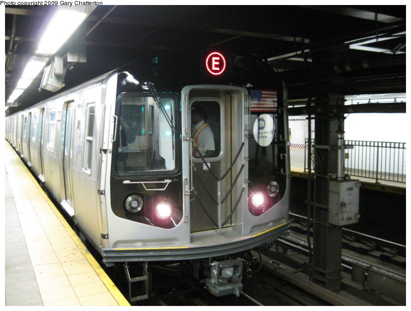 (131k, 820x620)<br><b>Country:</b> United States<br><b>City:</b> New York<br><b>System:</b> New York City Transit<br><b>Line:</b> IND Queens Boulevard Line<br><b>Location:</b> Queens Plaza <br><b>Route:</b> Testing<br><b>Car:</b> R-160A (Option 1) (Alstom, 2008-2009, 5 car sets)  9543 <br><b>Photo by:</b> Gary Chatterton<br><b>Date:</b> 8/28/2009<br><b>Viewed (this week/total):</b> 0 / 1821