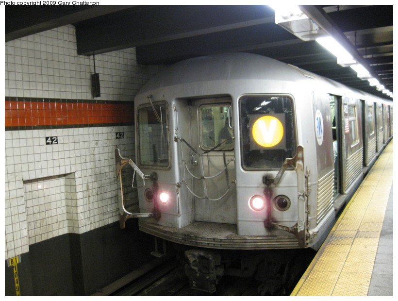 (131k, 820x620)<br><b>Country:</b> United States<br><b>City:</b> New York<br><b>System:</b> New York City Transit<br><b>Line:</b> IND 6th Avenue Line<br><b>Location:</b> 42nd Street/Bryant Park <br><b>Route:</b> V<br><b>Car:</b> R-42 (St. Louis, 1969-1970)  4621 <br><b>Photo by:</b> Gary Chatterton<br><b>Date:</b> 8/28/2009<br><b>Viewed (this week/total):</b> 1 / 1168