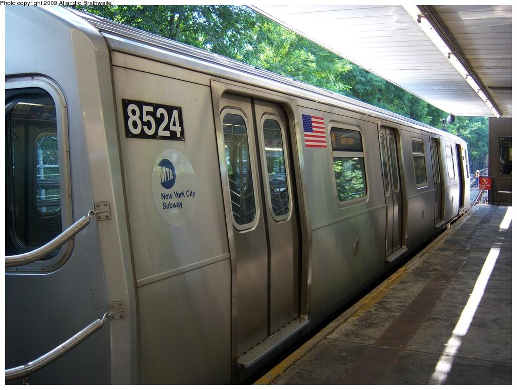 (241k, 1044x788)<br><b>Country:</b> United States<br><b>City:</b> New York<br><b>System:</b> New York City Transit<br><b>Line:</b> BMT Myrtle Avenue Line<br><b>Location:</b> Metropolitan Avenue <br><b>Route:</b> M<br><b>Car:</b> R-160A-1 (Alstom, 2005-2008, 4 car sets)  8524 <br><b>Photo by:</b> Aliandro Brathwaite<br><b>Date:</b> 8/26/2009<br><b>Viewed (this week/total):</b> 1 / 1295