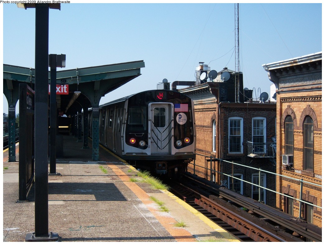 (261k, 1044x788)<br><b>Country:</b> United States<br><b>City:</b> New York<br><b>System:</b> New York City Transit<br><b>Line:</b> BMT Myrtle Avenue Line<br><b>Location:</b> Seneca Avenue <br><b>Route:</b> M<br><b>Car:</b> R-160A-1 (Alstom, 2005-2008, 4 car sets)  8540 <br><b>Photo by:</b> Aliandro Brathwaite<br><b>Date:</b> 8/26/2009<br><b>Viewed (this week/total):</b> 1 / 1302