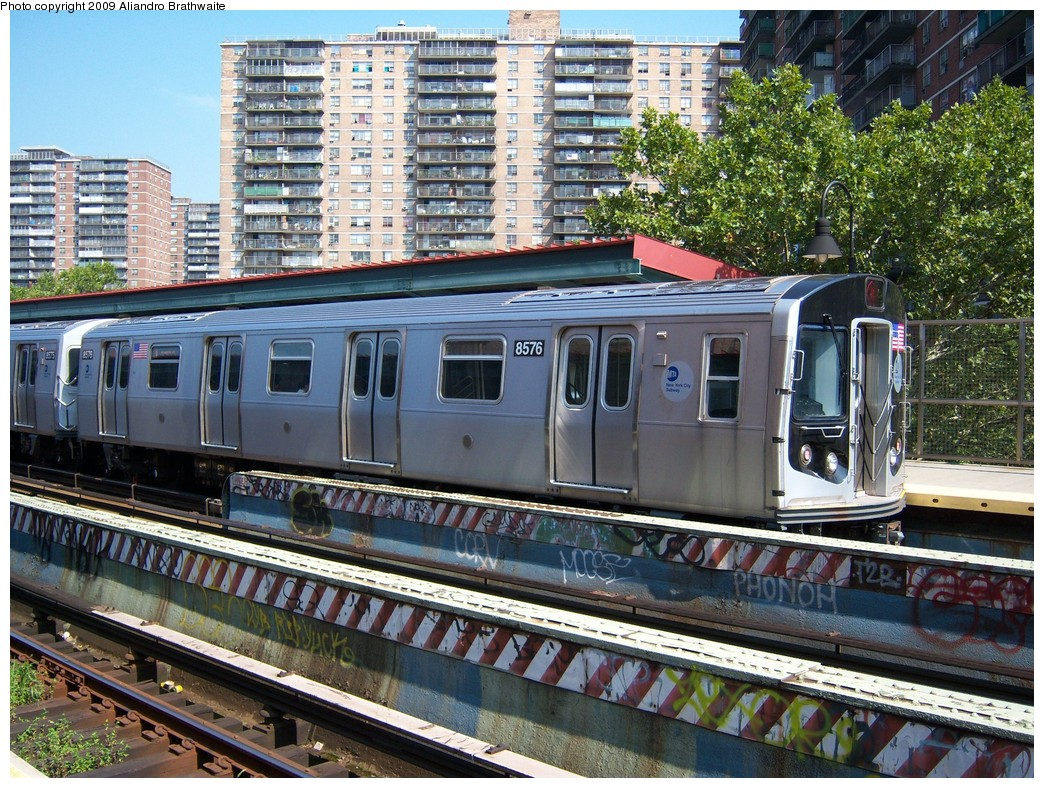 (345k, 1044x788)<br><b>Country:</b> United States<br><b>City:</b> New York<br><b>System:</b> New York City Transit<br><b>Line:</b> BMT Nassau Street/Jamaica Line<br><b>Location:</b> Lorimer Street <br><b>Route:</b> M<br><b>Car:</b> R-160A-1 (Alstom, 2005-2008, 4 car sets)  8576 <br><b>Photo by:</b> Aliandro Brathwaite<br><b>Date:</b> 8/26/2009<br><b>Viewed (this week/total):</b> 0 / 915