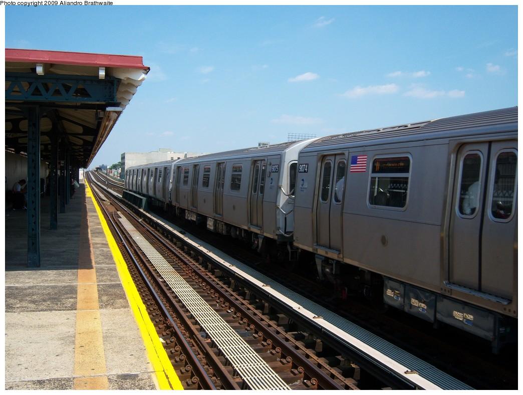 (234k, 1044x788)<br><b>Country:</b> United States<br><b>City:</b> New York<br><b>System:</b> New York City Transit<br><b>Line:</b> BMT Astoria Line<br><b>Location:</b> 39th/Beebe Aves. <br><b>Route:</b> N<br><b>Car:</b> R-160B (Option 1) (Kawasaki, 2008-2009)  9074 <br><b>Photo by:</b> Aliandro Brathwaite<br><b>Date:</b> 8/26/2009<br><b>Viewed (this week/total):</b> 0 / 1128