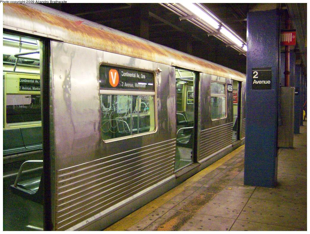 (312k, 1044x788)<br><b>Country:</b> United States<br><b>City:</b> New York<br><b>System:</b> New York City Transit<br><b>Line:</b> IND 6th Avenue Line<br><b>Location:</b> 2nd Avenue <br><b>Route:</b> V<br><b>Car:</b> R-42 (St. Louis, 1969-1970)  4656 <br><b>Photo by:</b> Aliandro Brathwaite<br><b>Date:</b> 8/11/2009<br><b>Viewed (this week/total):</b> 3 / 1012