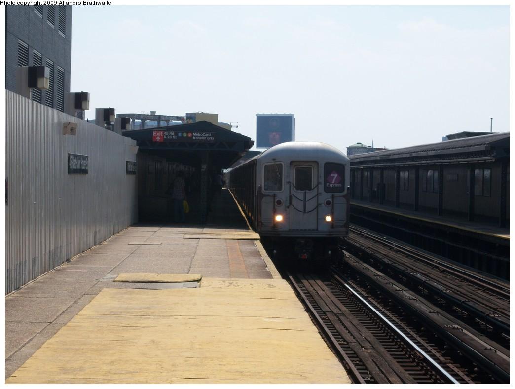 (184k, 1044x788)<br><b>Country:</b> United States<br><b>City:</b> New York<br><b>System:</b> New York City Transit<br><b>Line:</b> IRT Flushing Line<br><b>Location:</b> Court House Square/45th Road <br><b>Route:</b> 7<br><b>Car:</b> R-62A (Bombardier, 1984-1987)  1991 <br><b>Photo by:</b> Aliandro Brathwaite<br><b>Date:</b> 8/26/2009<br><b>Viewed (this week/total):</b> 6 / 819
