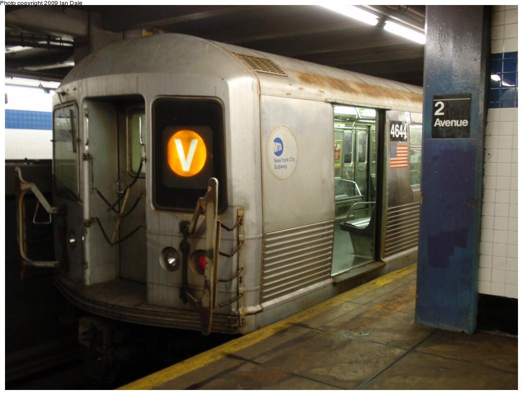 (188k, 1044x788)<br><b>Country:</b> United States<br><b>City:</b> New York<br><b>System:</b> New York City Transit<br><b>Line:</b> IND 6th Avenue Line<br><b>Location:</b> 2nd Avenue <br><b>Route:</b> V<br><b>Car:</b> R-42 (St. Louis, 1969-1970)  4644 <br><b>Photo by:</b> Ian Dale<br><b>Date:</b> 8/5/2009<br><b>Viewed (this week/total):</b> 1 / 1122
