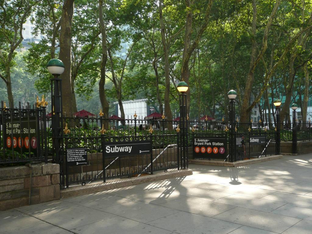 (165k, 1024x768)<br><b>Country:</b> United States<br><b>City:</b> New York<br><b>System:</b> New York City Transit<br><b>Line:</b> IND 6th Avenue Line<br><b>Location:</b> 42nd Street/Bryant Park <br><b>Photo by:</b> Robbie Rosenfeld<br><b>Date:</b> 7/16/2009<br><b>Notes:</b> Station entrance along 42nd.<br><b>Viewed (this week/total):</b> 1 / 1264