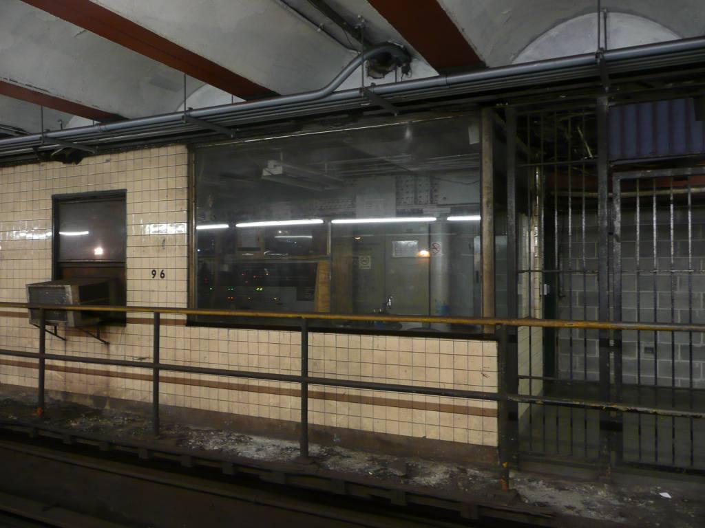 (110k, 1024x768)<br><b>Country:</b> United States<br><b>City:</b> New York<br><b>System:</b> New York City Transit<br><b>Line:</b> IRT West Side Line<br><b>Location:</b> 96th Street <br><b>Photo by:</b> Robbie Rosenfeld<br><b>Date:</b> 9/6/2009<br><b>Notes:</b> 96th St. tower.<br><b>Viewed (this week/total):</b> 1 / 1108