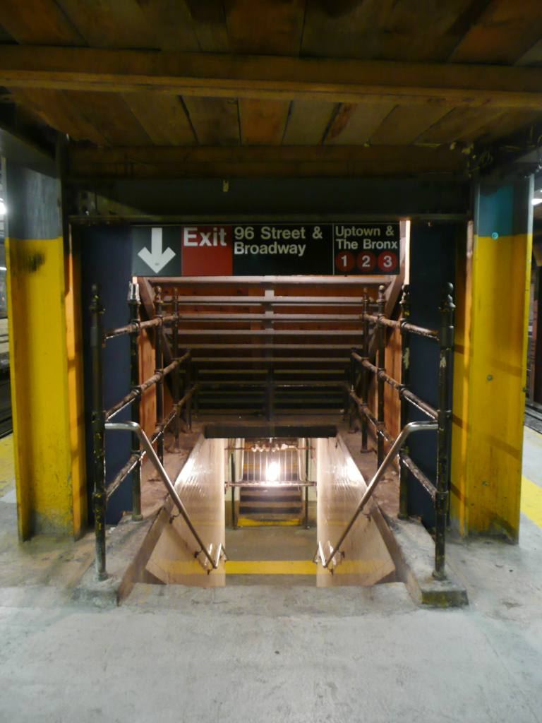 (86k, 768x1024)<br><b>Country:</b> United States<br><b>City:</b> New York<br><b>System:</b> New York City Transit<br><b>Line:</b> IRT West Side Line<br><b>Location:</b> 96th Street <br><b>Photo by:</b> Robbie Rosenfeld<br><b>Date:</b> 9/16/2009<br><b>Notes:</b> Station renovation - new headhouse project.<br><b>Viewed (this week/total):</b> 0 / 1584
