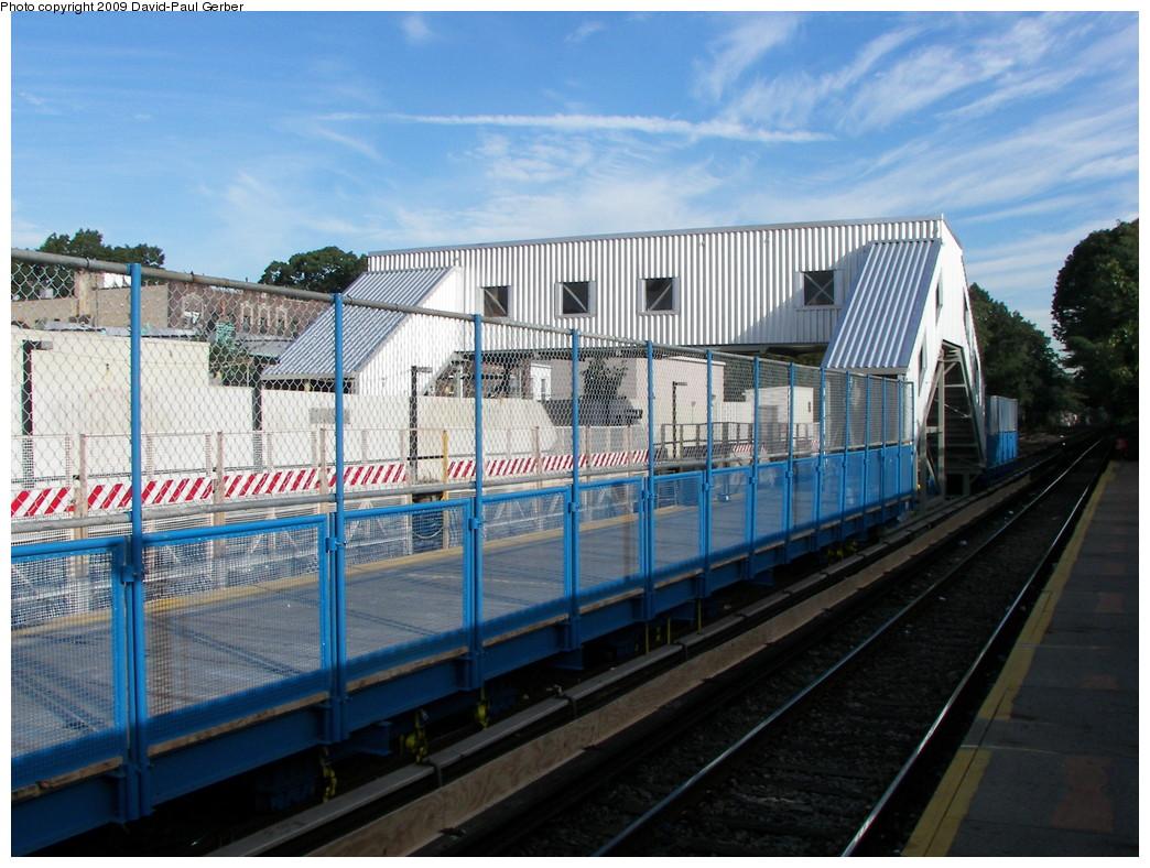 (297k, 1044x788)<br><b>Country:</b> United States<br><b>City:</b> New York<br><b>System:</b> New York City Transit<br><b>Line:</b> BMT Brighton Line<br><b>Location:</b> Avenue J <br><b>Photo by:</b> David-Paul Gerber<br><b>Date:</b> 9/21/2009<br><b>Notes:</b> Temporary bridge and southbound platform.<br><b>Viewed (this week/total):</b> 0 / 1068