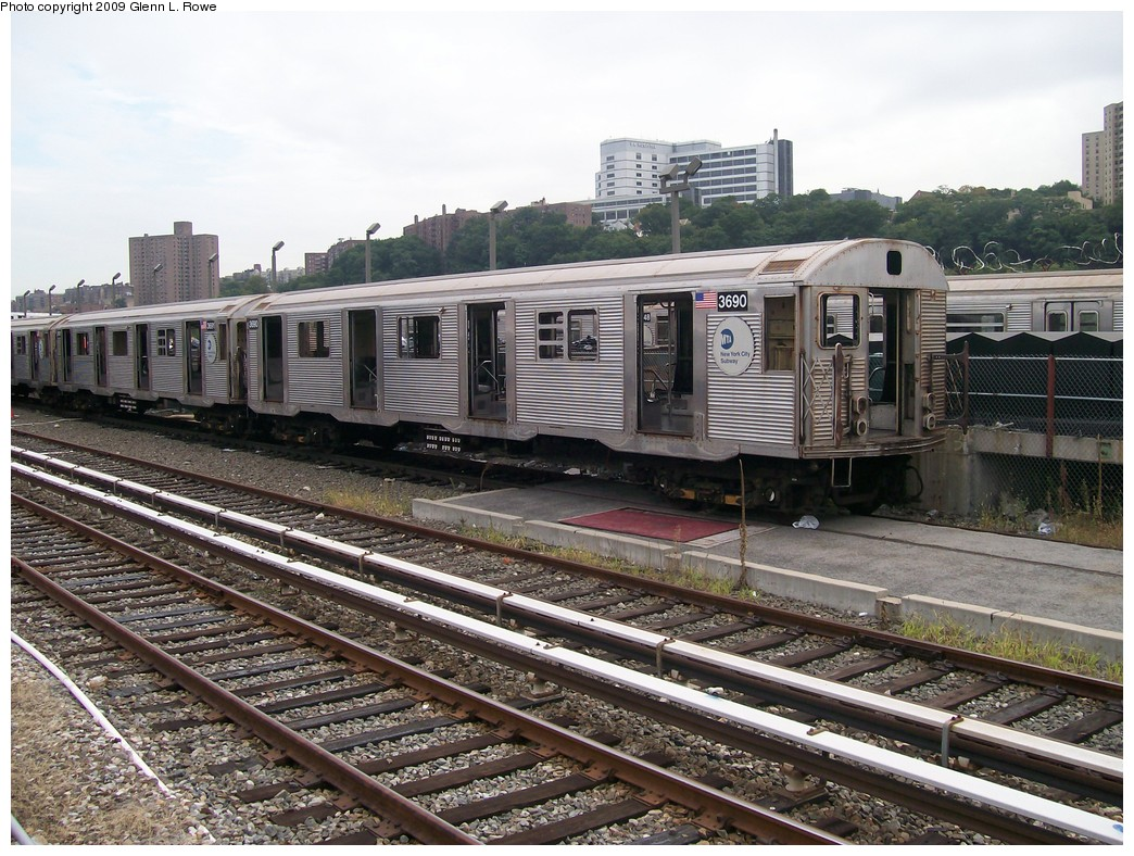 (268k, 1044x788)<br><b>Country:</b> United States<br><b>City:</b> New York<br><b>System:</b> New York City Transit<br><b>Location:</b> 207th Street Yard<br><b>Car:</b> R-32 (Budd, 1964)  3690 <br><b>Photo by:</b> Glenn L. Rowe<br><b>Date:</b> 9/23/2009<br><b>Notes:</b> Scrap<br><b>Viewed (this week/total):</b> 2 / 931