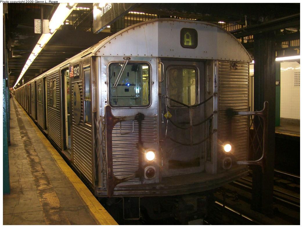 (223k, 1044x788)<br><b>Country:</b> United States<br><b>City:</b> New York<br><b>System:</b> New York City Transit<br><b>Line:</b> IND 8th Avenue Line<br><b>Location:</b> 181st Street <br><b>Route:</b> A<br><b>Car:</b> R-32 (Budd, 1964)  3913 <br><b>Photo by:</b> Glenn L. Rowe<br><b>Date:</b> 9/23/2009<br><b>Viewed (this week/total):</b> 1 / 1183