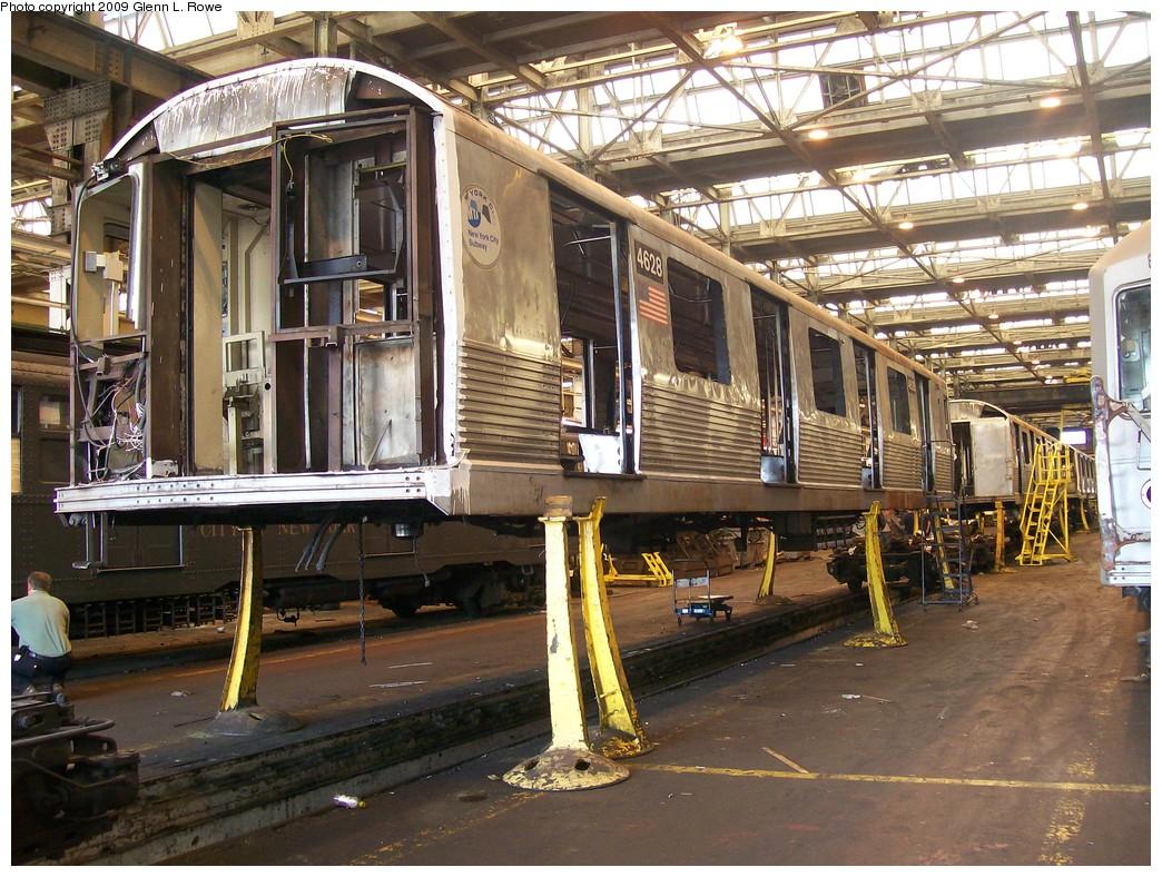 (285k, 1044x788)<br><b>Country:</b> United States<br><b>City:</b> New York<br><b>System:</b> New York City Transit<br><b>Location:</b> 207th Street Shop<br><b>Car:</b> R-42 (St. Louis, 1969-1970)  4628 <br><b>Photo by:</b> Glenn L. Rowe<br><b>Date:</b> 9/24/2009<br><b>Notes:</b> Scrap<br><b>Viewed (this week/total):</b> 0 / 823