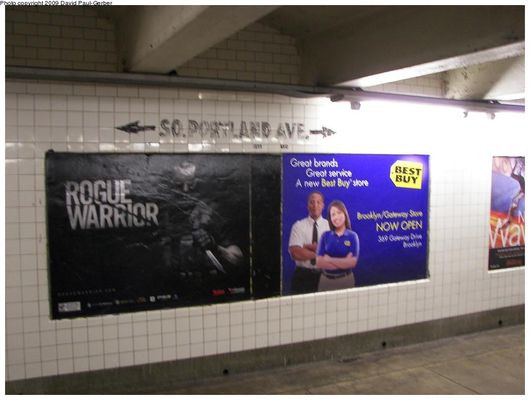 (221k, 1044x788)<br><b>Country:</b> United States<br><b>City:</b> New York<br><b>System:</b> New York City Transit<br><b>Line:</b> IND Fulton Street Line<br><b>Location:</b> Lafayette Avenue <br><b>Photo by:</b> David-Paul Gerber<br><b>Date:</b> 9/25/2009<br><b>Viewed (this week/total):</b> 0 / 1043