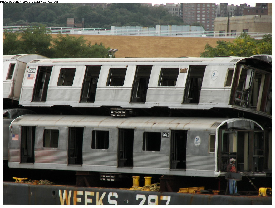 (245k, 1044x788)<br><b>Country:</b> United States<br><b>City:</b> New York<br><b>System:</b> New York City Transit<br><b>Location:</b> 207th Street Yard<br><b>Car:</b> R-42 (St. Louis, 1969-1970)  4642 <br><b>Photo by:</b> David-Paul Gerber<br><b>Date:</b> 9/26/2009<br><b>Notes:</b> Barge-Scrapping<br><b>Viewed (this week/total):</b> 0 / 993