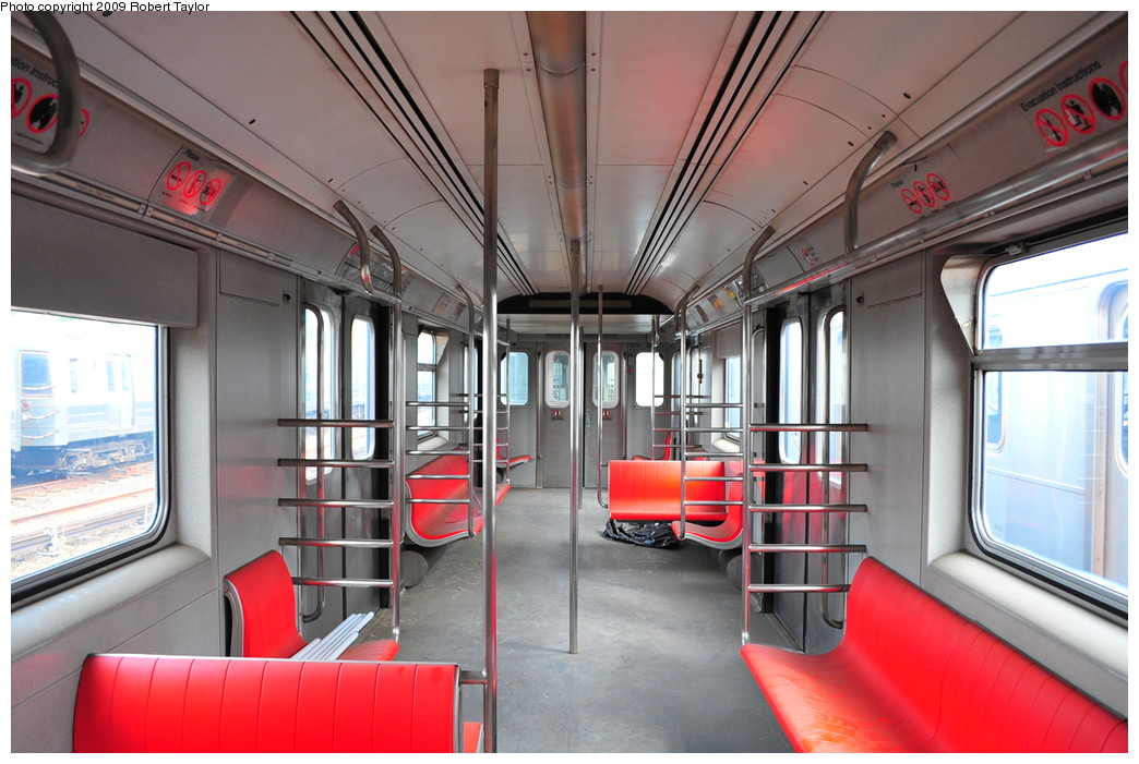 (253k, 1044x701)<br><b>Country:</b> United States<br><b>City:</b> New York<br><b>System:</b> New York City Transit<br><b>Car:</b> R-110A (Kawasaki, 1992) 8001 <br><b>Photo by:</b> Robert Taylor<br><b>Date:</b> 9/23/2009<br><b>Viewed (this week/total):</b> 5 / 4579