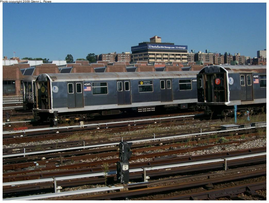 (248k, 1044x788)<br><b>Country:</b> United States<br><b>City:</b> New York<br><b>System:</b> New York City Transit<br><b>Location:</b> 207th Street Yard<br><b>Car:</b> R-42 (St. Louis, 1969-1970)  4585/4649 <br><b>Photo by:</b> Glenn L. Rowe<br><b>Date:</b> 9/29/2009<br><b>Notes:</b> Scrap<br><b>Viewed (this week/total):</b> 0 / 1013