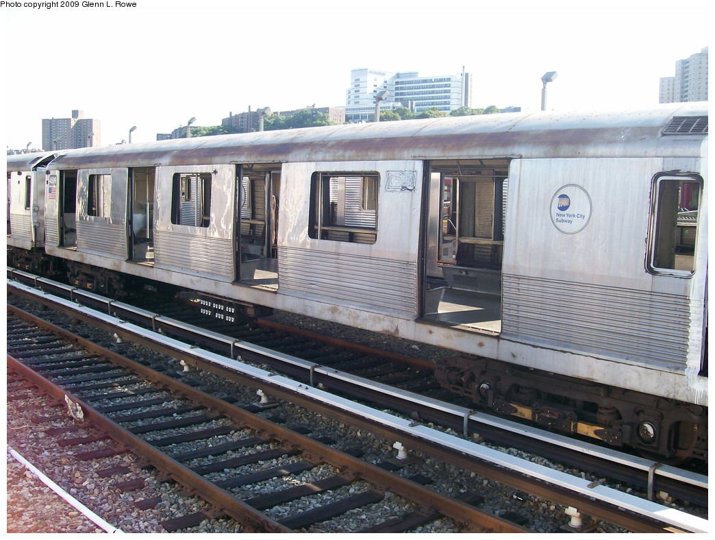 (233k, 1044x788)<br><b>Country:</b> United States<br><b>City:</b> New York<br><b>System:</b> New York City Transit<br><b>Location:</b> 207th Street Yard<br><b>Car:</b> R-42 (St. Louis, 1969-1970)  4599 <br><b>Photo by:</b> Glenn L. Rowe<br><b>Date:</b> 9/29/2009<br><b>Notes:</b> Scrap<br><b>Viewed (this week/total):</b> 1 / 777